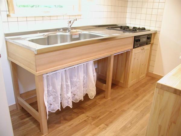 造り付けのキッチン。