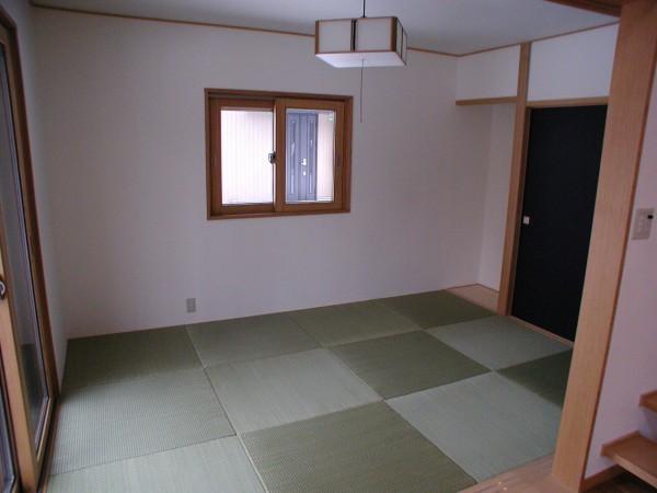 琉球畳の和室。